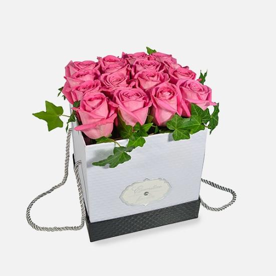 Κουτί με 16 Τριαντάφυλλα - Flowernet.gr