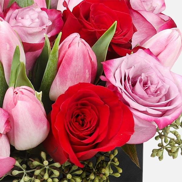 Romance - Τριαντάφυλλα Τουλίπες - flowernet.gr